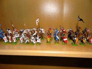 Les chevaliers, à cheval et à pied