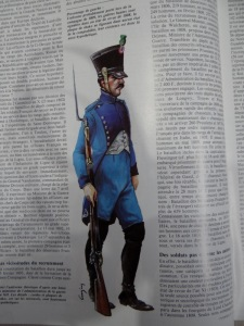 "Uniforme probable proposé par l'article de la revue ""Uniformes""."