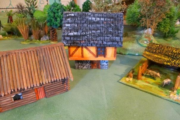 Version médiévale et porcherie, version canada tout en bois de brochettes.