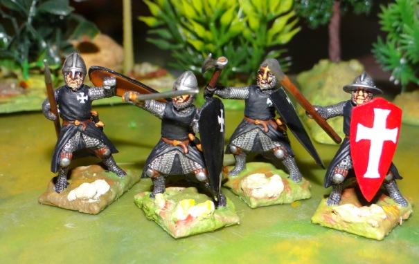 Une version à pied des chevaliers hospitaliers. Figs plastiques Fireforge