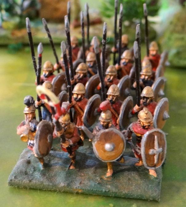 Des grecs mercenaires se battirent pour Carthage lors de la 1ere guerre punique. Il est possible qu'ils aient été équipés de piques.