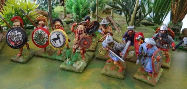 En 25 mm. 3 hoplites, 2 peltastes, 2 vikings, 2 médiévaux, 1 arabe croisades.