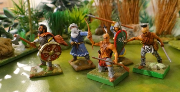 Un mixte. Arabes Greapping beast et indiens wargames factory