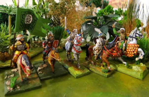 Me voilà avec 4 Saladins dans l'armée : de gauche à droite, Touller, Essex customisé, Old Glory et G Beast.