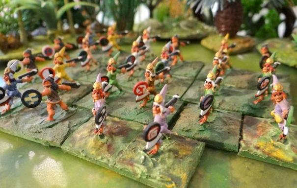 Autre version, des guerriers équipés de dards et de propulseurs.
