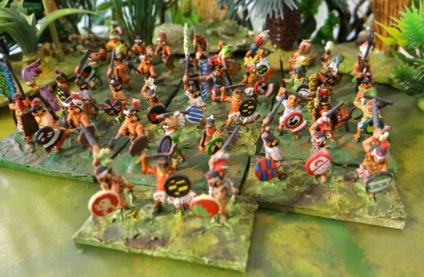 Un autre groupe. Le puriste notera la présence de Mayas déserteurs !