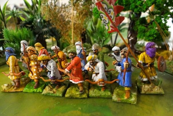 Voilà l'unité d'archers arabes reconstituée. 12 archers et un étendard.