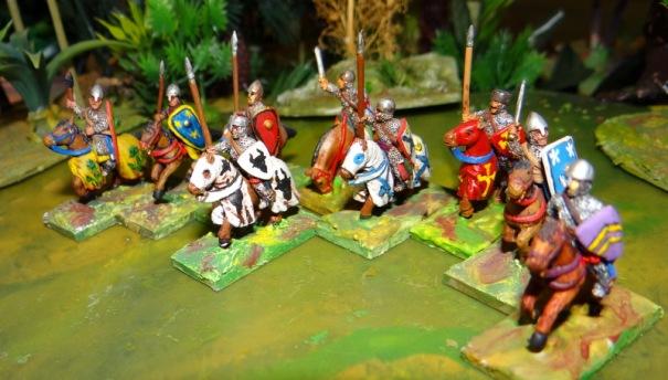 Les chevaliers : des riches et des pauvres si l'on en croit leurs tenues.