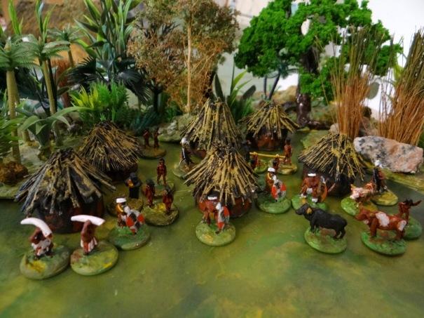 """le village des """"cannibales """"! Huttes maison."""