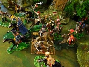 Bon, je ne retrouve pas les cuirs français qui sortirent précocement. Voilà un medley de cavalerie avec 2 ou 3 cuirs et des figurines lourdement customisées.