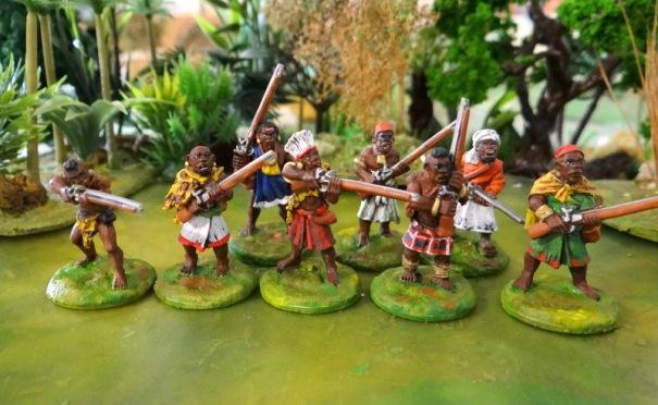 Ruga-Ruga étaient des bandits et des mercenaires, recrutés parmi les esclaves fugitifs, les ex soldats et membres de la tribu mécontents. Ils fumaient du chanvre, vêtus de parures en lambeaux et généralement agi dur. Ils ont souvent été recrutés par des chefs de guerre africains comme Mirambo ou Msiri pour lutter contre le fusil armé Arabes. Pour faire une armée Ruga-Ruga mélanger les modèles dans ces packs avec des ascaris, mousquet hommes armés et lanciers tribaux