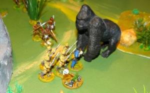 on n'entre pas dans le territoire Kong sans conséquences. 3 askaris sont mis hors de combat. fuit avec ce qui reste.